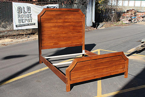 Queen size custom bed frame and headboard from reclaimed heart pine.<br /><br /><br><br />